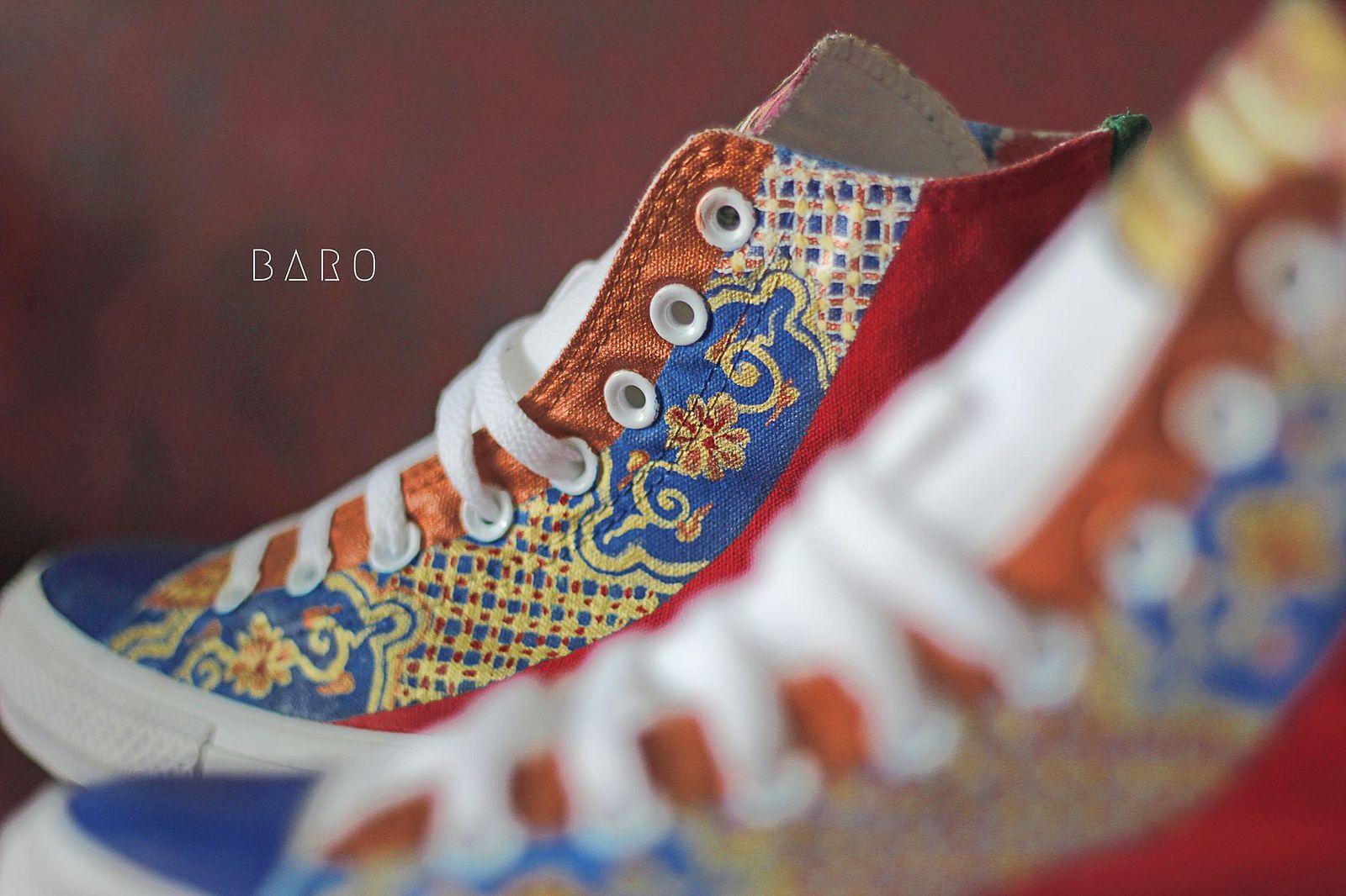 53bf3fd4631c0 Photos] A Converse-Royal Costume Mashup for Vietnam's History Buffs ...