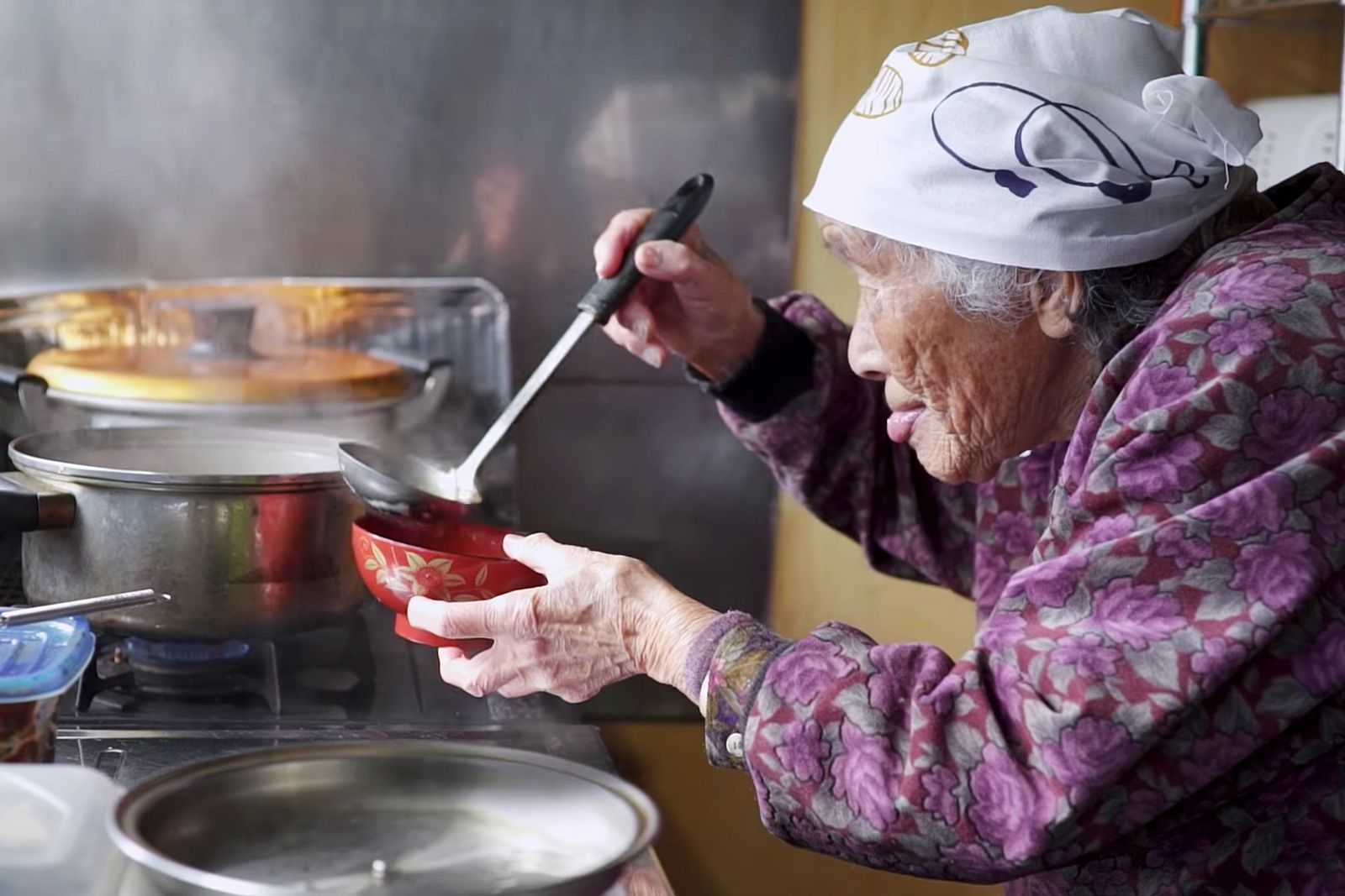 Delving into the life journey of japanese grandmas during world war grandmas recipes is a 10 part japanese documentary series that features the stories of ten different octogenarians and their relationship with cooking forumfinder Image collections