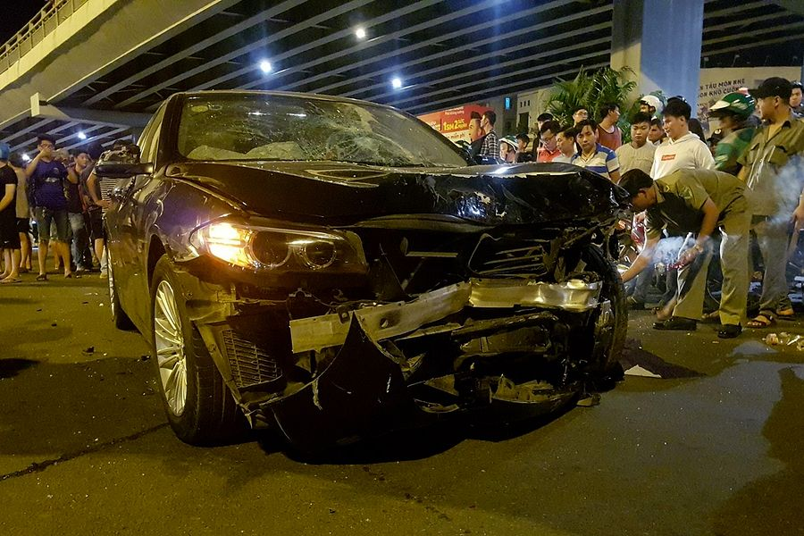 Inebriated Saigon Driver Rams BMW Into Motorbikes, Killing One and Injuring 7 Others