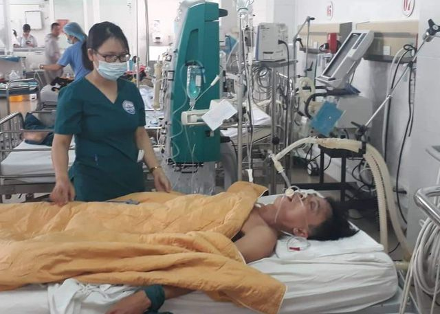 Quang Tri Hospital Saves Man From Methanol Poisoning By