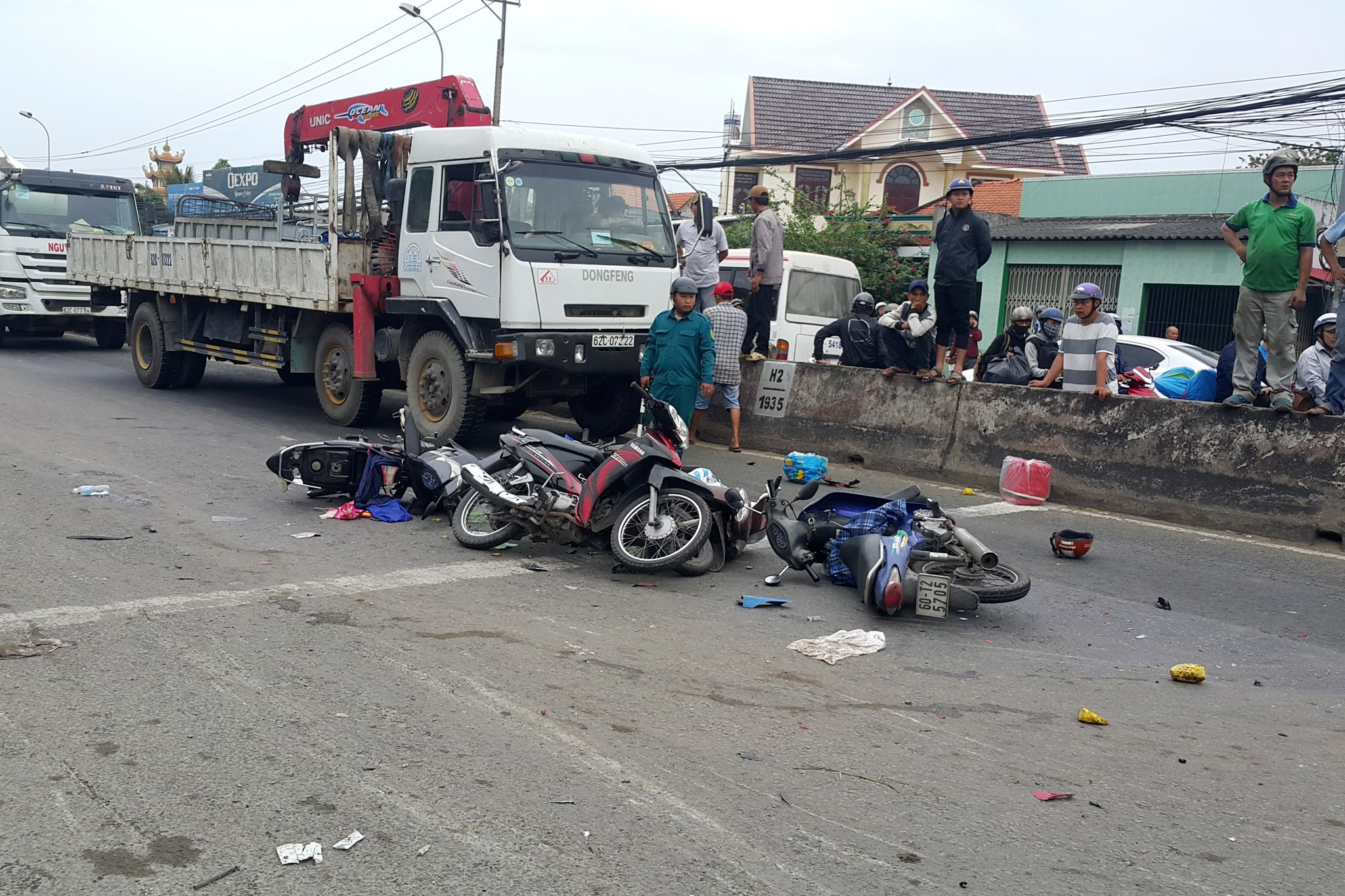 Drunk Driver Plunges Container Truck Into 25 Motorbikes at