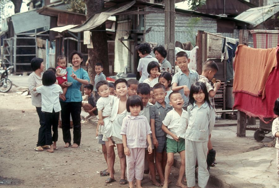 [Photos] A Visual Anthology of Life and Fashion of 1970 Saigoneers
