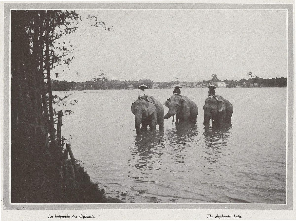 Photos] Rare Photos of Hue From a Vintage French Publication in ...