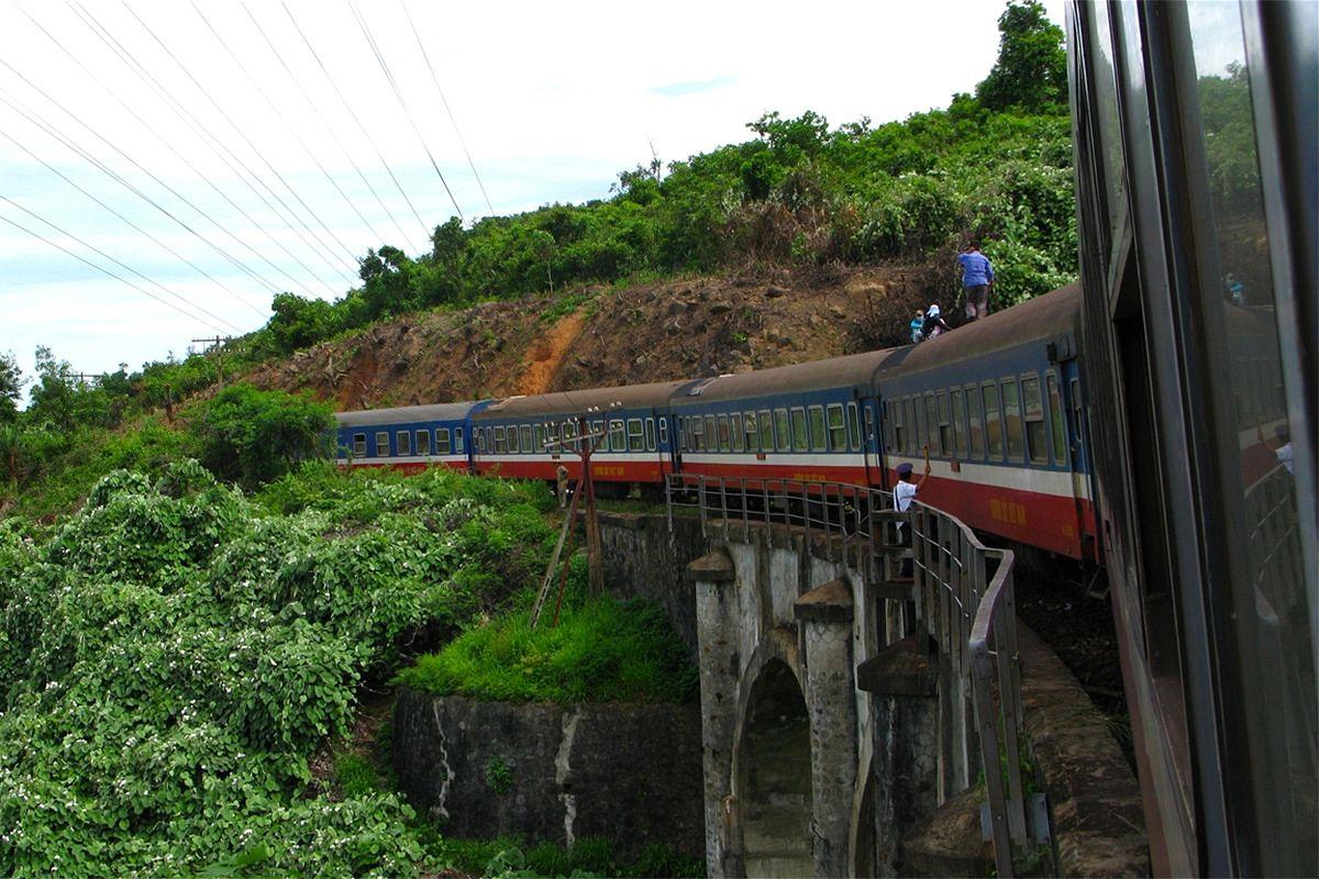 Railway system in Vietnam | Saigoneer.com