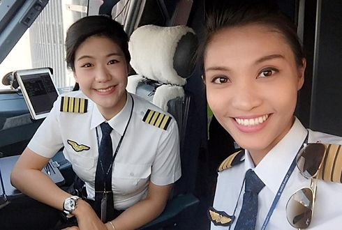 Vna Accidentally Operates Flights With All Female Crew
