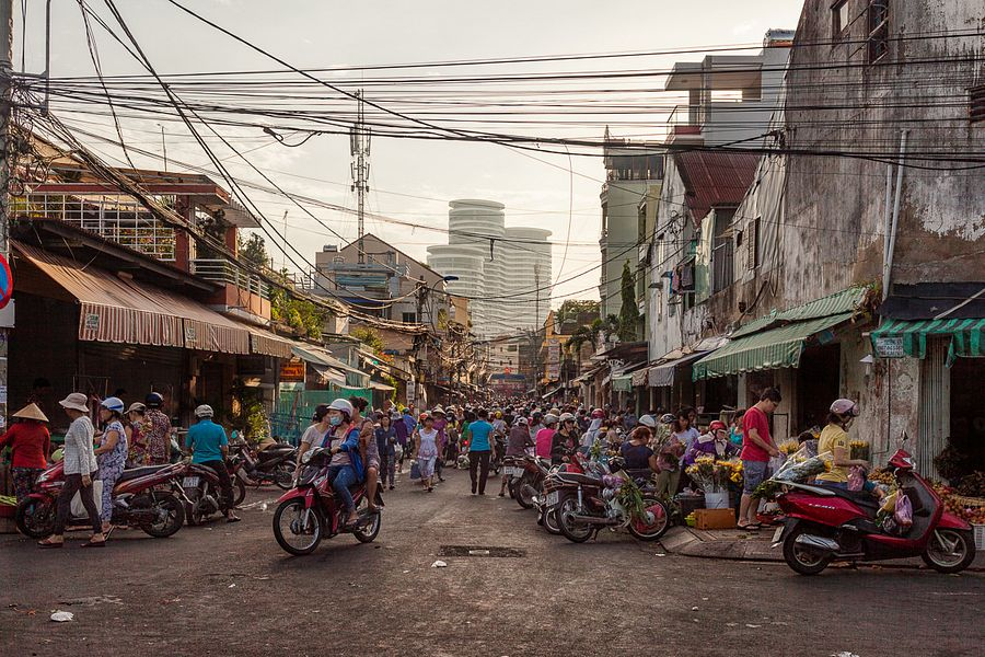 Morning Stories Roundup: Land Transfer Problem Hinders HCMC Public Toilet Project