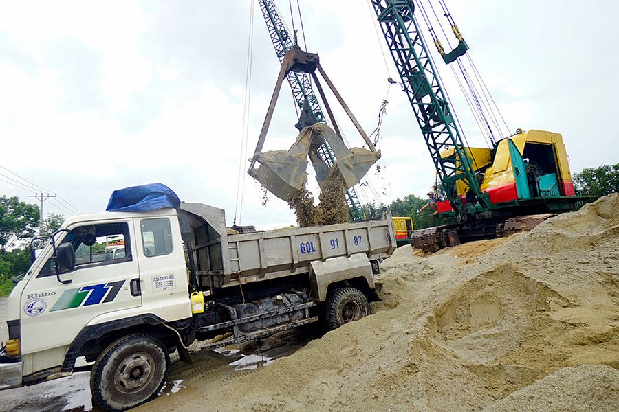 Saigon Earmarks $7m for Measures to Thwart Illegal Sand Mining