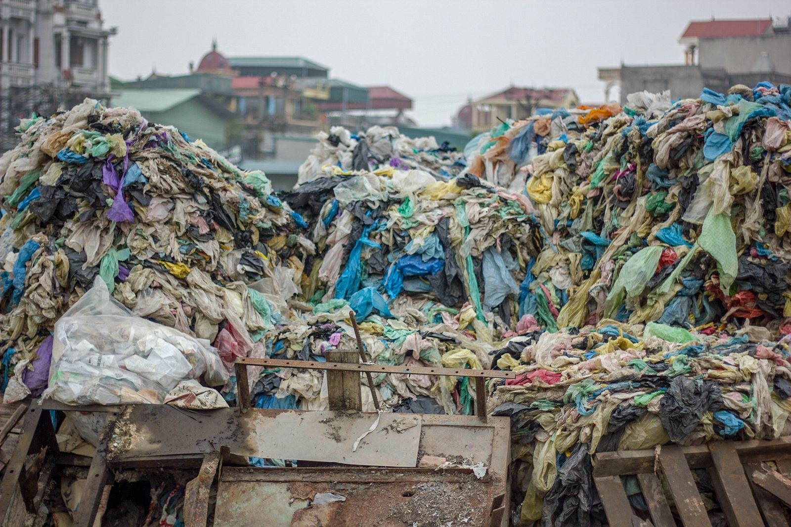 Hanoi to Construct Waste-to-Electricity Processing Plants in